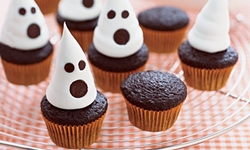 Блюда на Хэллоуин - Маффины с привидениями