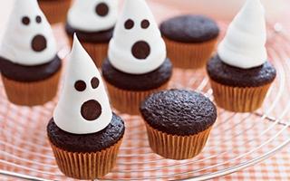 Блюда на Хэллоуин: Маффины с привидениями