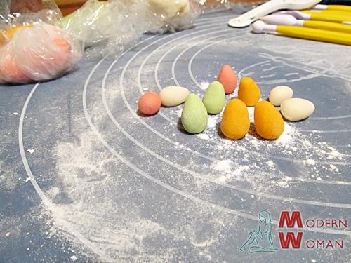 Пасхальные яйца из сахарной мастики