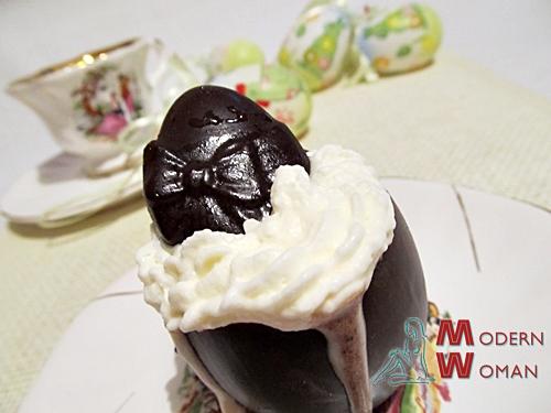 Шоколадный мусс в необычных чашах