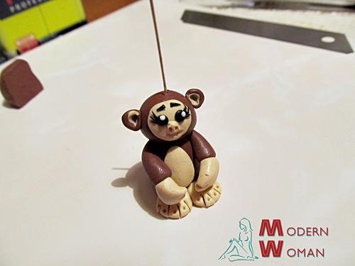 брелок обезьяна из полимерной глины