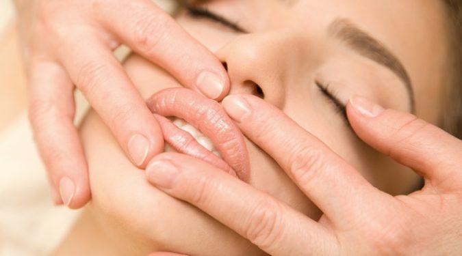 Как увеличить губы не прибегая к пластике