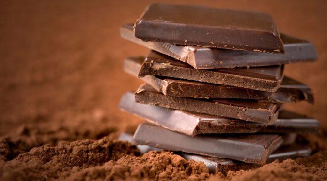 Польза горького шоколада для нашего сердца