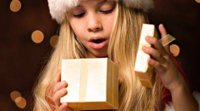 Время дарить подарки: значения и приметы