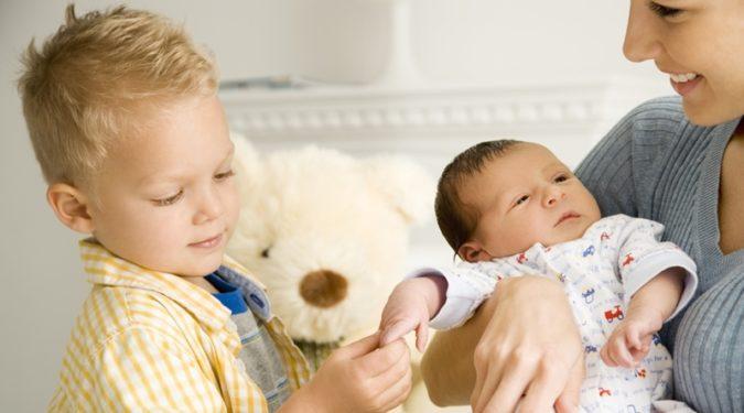 Ошибки в воспитании детей: старшие и младшие ссорятся
