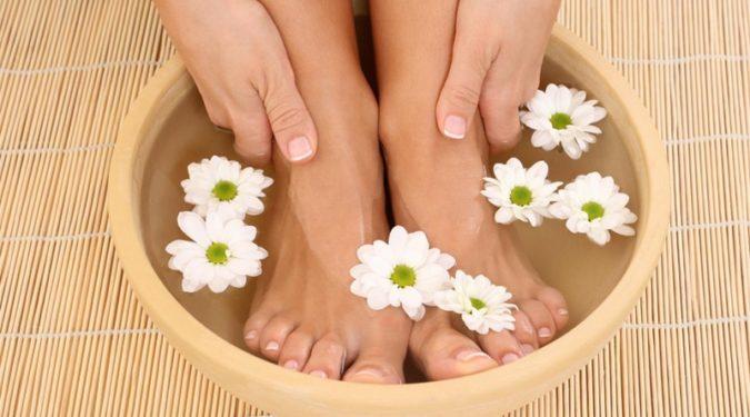 Как правильно парить ноги
