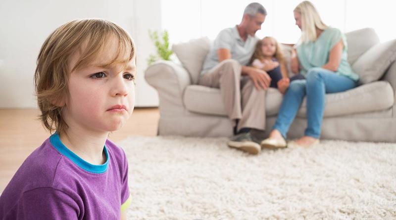 Стресс у ребенка: причины и как ему помочь