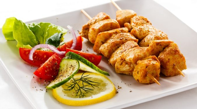 Сувлаки – греческий куриный шашлык